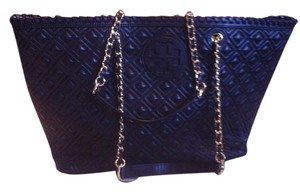 Tory Burch Shoulder Tote in Black