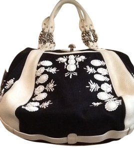 Lockheart Satchel in Black and white