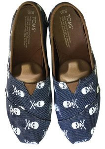 TOMS Navy and white Flats