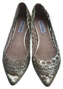 Steve Madden Leather Gold Flats