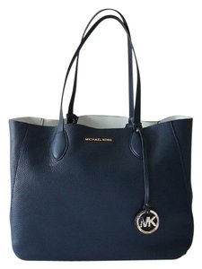 Michael Kors Tote in COLOR: BLUE/WHITE