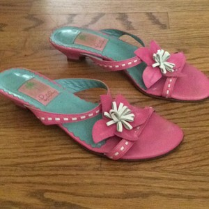 Lilly Pulitzer Pink with white flower Mules