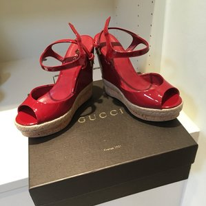 Gucci Rose Red Wedges
