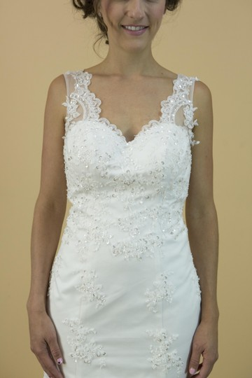 White Lace Satin Tulle Handmade Mermaid Vneck with Open Back Bridal Gown Modern Wedding Dress Size 4 (S)