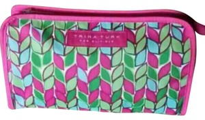 Trina Turk Clinique Vibrant Case