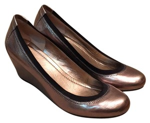 BCBGeneration Metallic light bronze Wedges