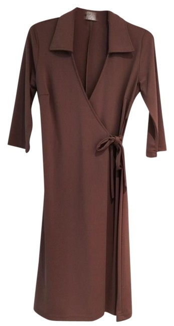 Item - Brown Wrap In A Great Camel Color Mid-length Short Casual Dress Size 10 (M)