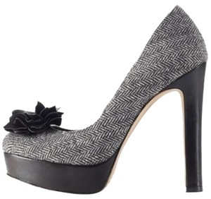 Vince Camuto Black and white Platforms