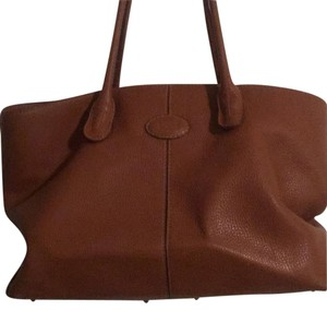Tod's Tote in Caramel
