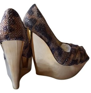 Wild Pair Gold Wedges