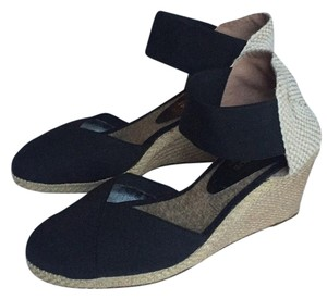 Andre Assous Black & Natural Wedges