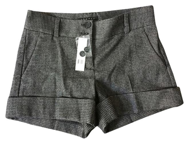 Preload https://item4.tradesy.com/images/theory-brown-cuffed-shorts-size-2-xs-26-1660443-0-0.jpg?width=400&height=650