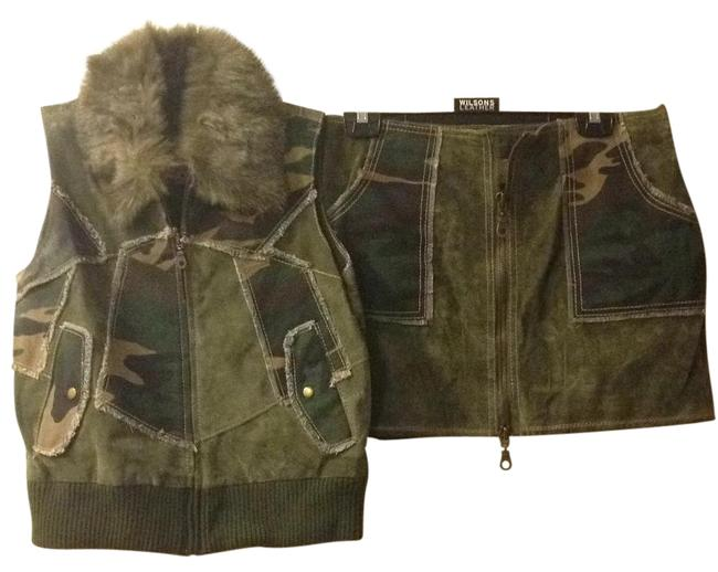 Preload https://img-static.tradesy.com/item/16604458/wilsons-leather-army-green-vest-size-6-s-0-1-650-650.jpg