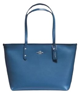 Coach Tote in Blue/Azure