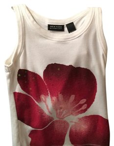 Top White with flower