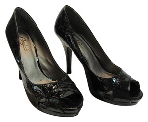 Candie's Size 9.50 M Reptile Design Very Good Condition Black Pumps