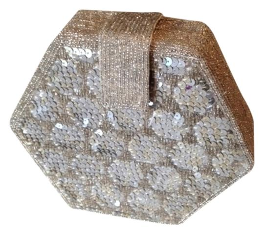 Preload https://item4.tradesy.com/images/silver-sequence-and-silver-beads-nylon-clutch-1660608-0-0.jpg?width=440&height=440
