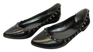 Xhilaration Size 8.00 M Very Good Condition Black Flats