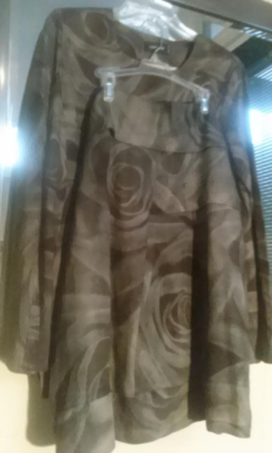 Preload https://img-static.tradesy.com/item/16607071/cividini-olive-brown-by-made-in-italy-skirt-suit-size-12-l-0-1-650-650.jpg
