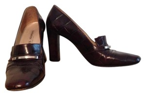 Charles Jourdan Burgandy Pumps