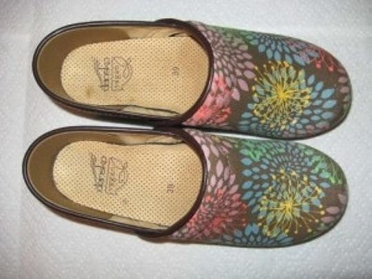 Dansko brown/multi Mules