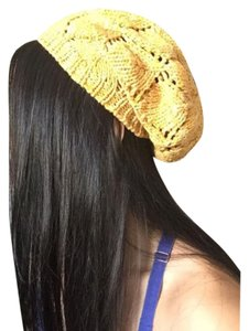 O'Neill Knit winter hat beret beanie gold white