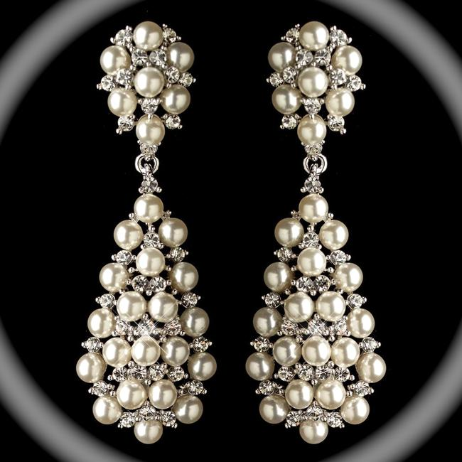 Item - Silver and Pearl Elegant Off White Earrings