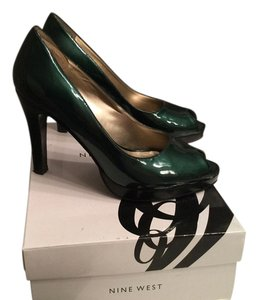 Nine West Green Pumps