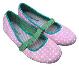 No Boundaries pink, white, and green Flats