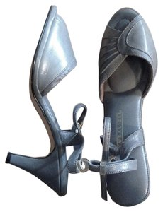 Naturalizer Open Toe High Heel Never Worn Ankle Strap Grey Sandals