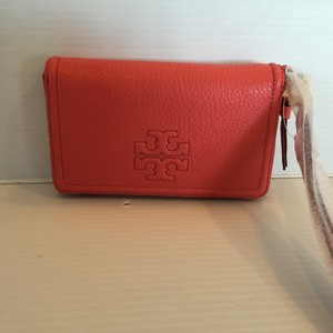 Tory Burch TORY BURCH NWT THEA ZIP AROUND SMARTPHONE WALLET