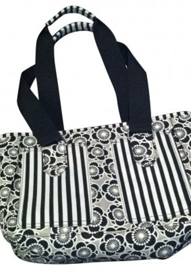 Preload https://img-static.tradesy.com/item/166221/insulated-lunch-fashion-geometric-black-and-gray-tote-0-0-540-540.jpg