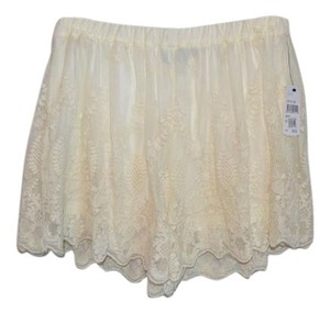 ASTR Lace Mini/Short Shorts Cream