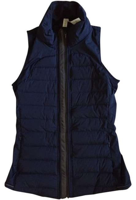 Item - Dark Blue/Grey Stripe Fluffed Up with Reflective Vest Size 4 (S)