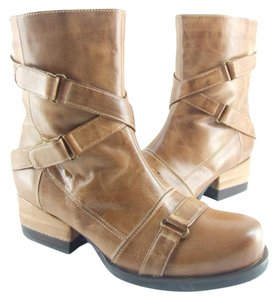Antelope Cornstalk Leather Ankle Boots