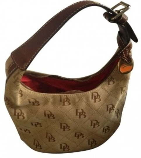 Preload https://item1.tradesy.com/images/dooney-and-bourke-signature-purse-brown-cloth-and-leather-hobo-bag-166255-0-0.jpg?width=440&height=440