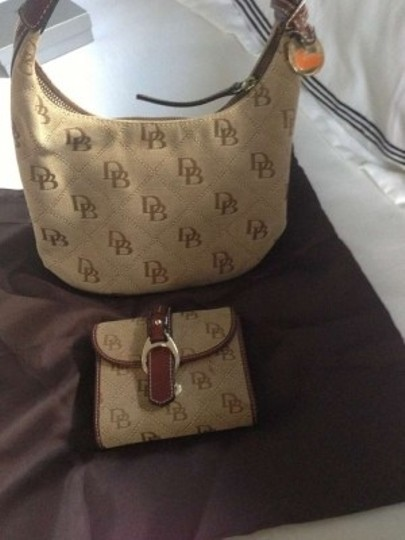 Dooney & Bourke Spring Perfect Shopping Summer Park Leather And Hobo Bag