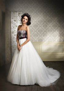 Alfred Angelo 890-saphire Wedding Dress