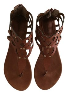Breckelle's Tan Sandals
