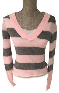 Other V-neck Striped Tops Size Small Tops V-neck Tops Size Small Sweater