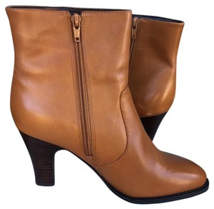 Bloomingdale's Classic Roundtoe Leather Dark Tan Boots