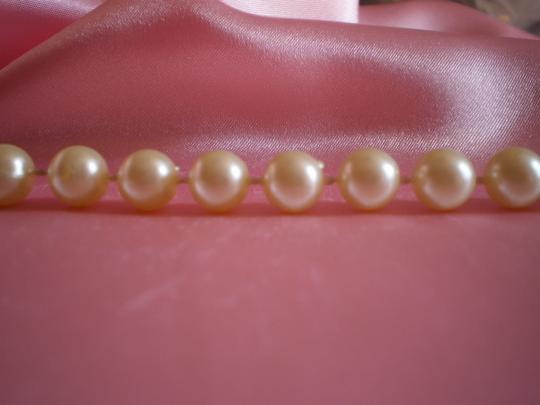 Preload https://item3.tradesy.com/images/faux-pearl-necklace-166292-0-0.jpg?width=440&height=440