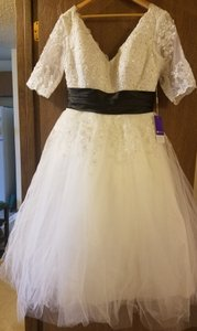 A-line/princess V-neck Tea-length Tulle Wedding Dress 002014739 Wedding Dress