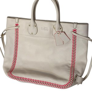 Coach Tote in White/neon Pink
