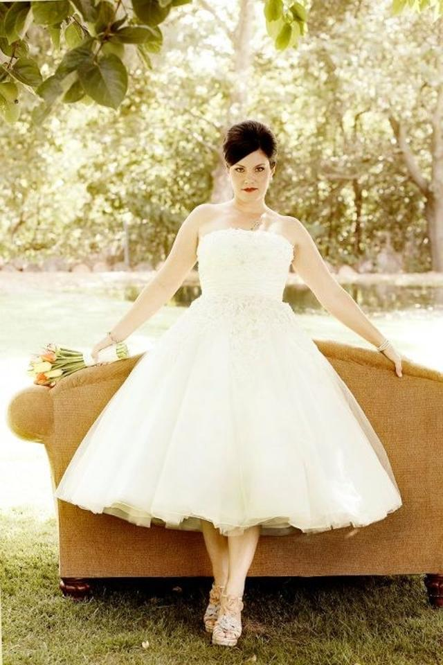 Justin Alexander Ivory 2 Tone Tulle Complimented with A Silk Sash ...