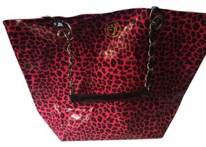 Zumba Fitness Tote in Hot pink, black