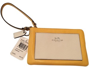 Coach Wristlet in Yellow and White