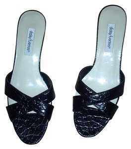 Daisy Fuentes Black Sandals