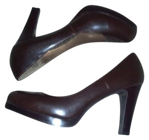 Candie's Brown Pumps