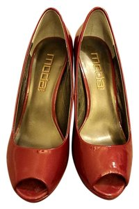 Moda Spana Red Pearl Patent Pumps